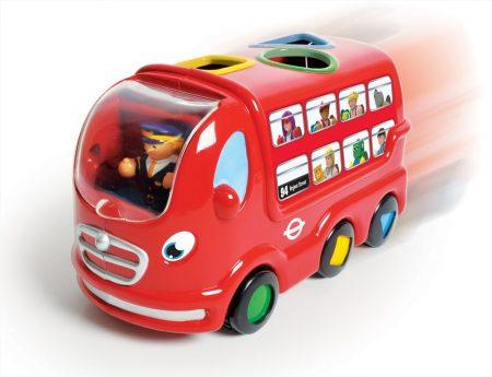 Formaillesztő busz